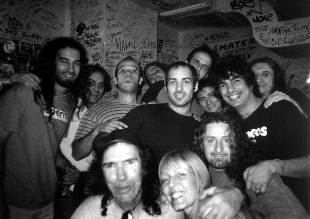2002 aprox. Madrid. Rosendo, Los Enemigos, Dover y Los Kikes.